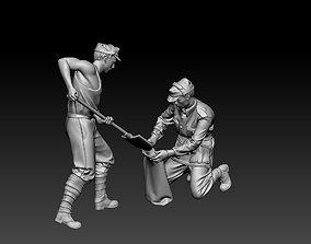 3D printable model Italian soldiers filling a sandbag