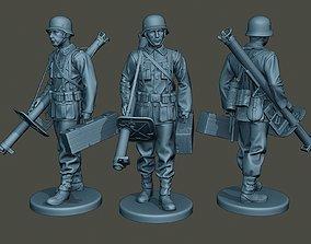 3D print model German soldier ww2 walk G4 figurines
